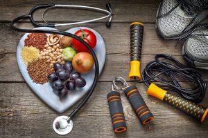Sportgeräte und Obst